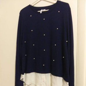 Tunic sweater with blouse shirt tail